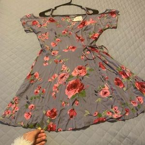 Size M grey, floral dress with cut out shoulders